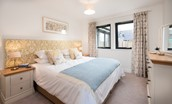 Harebell Cottage - gold double bedroom storage