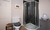 Mossfennan House - shower room