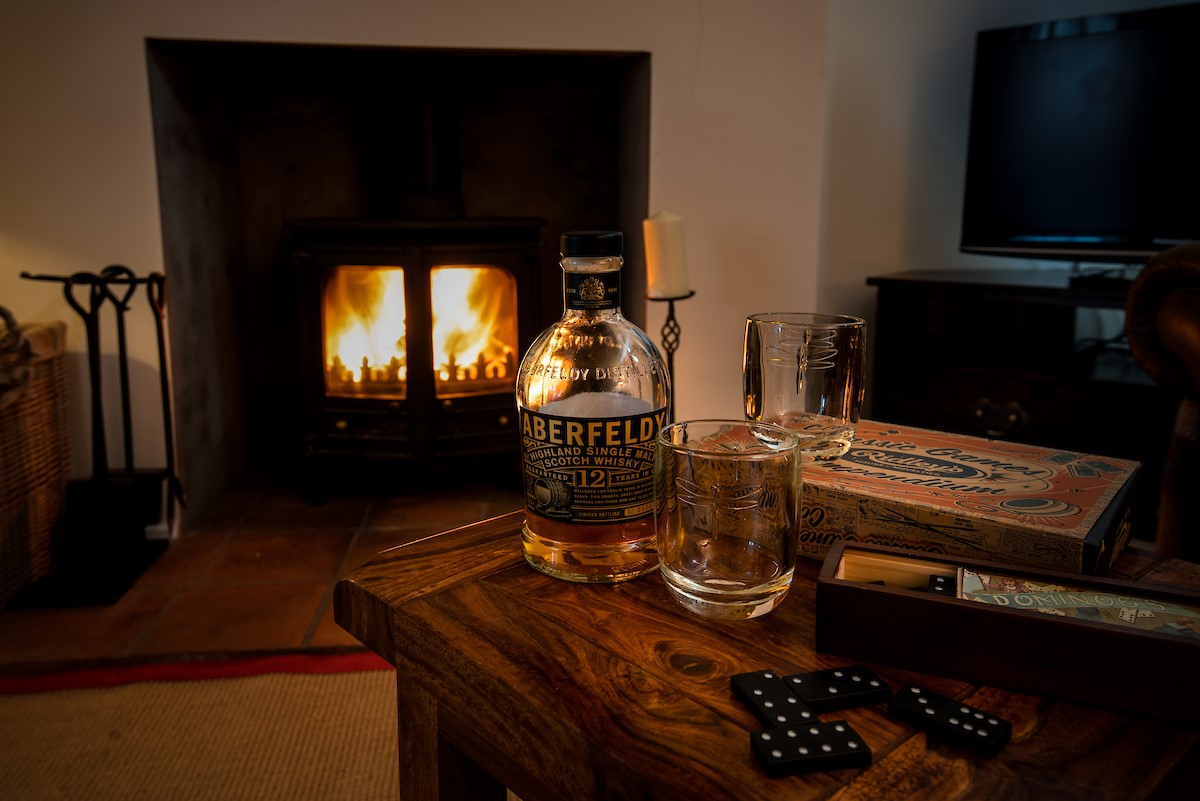 Kilham Cottage - fireside games