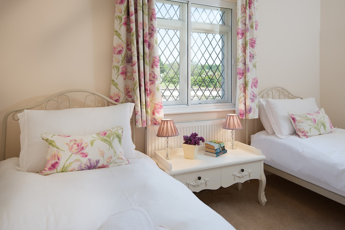 Kilham Cottage - bedroom two with twin beds