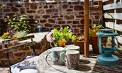 Wren Cottage - separate outside seating area directly opposite the cottage