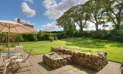 The peaceful lawned garden overlooking the Roxburghe's Championship Golf Course.