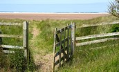 Beachcomber Cottage - access to Goswick Sands