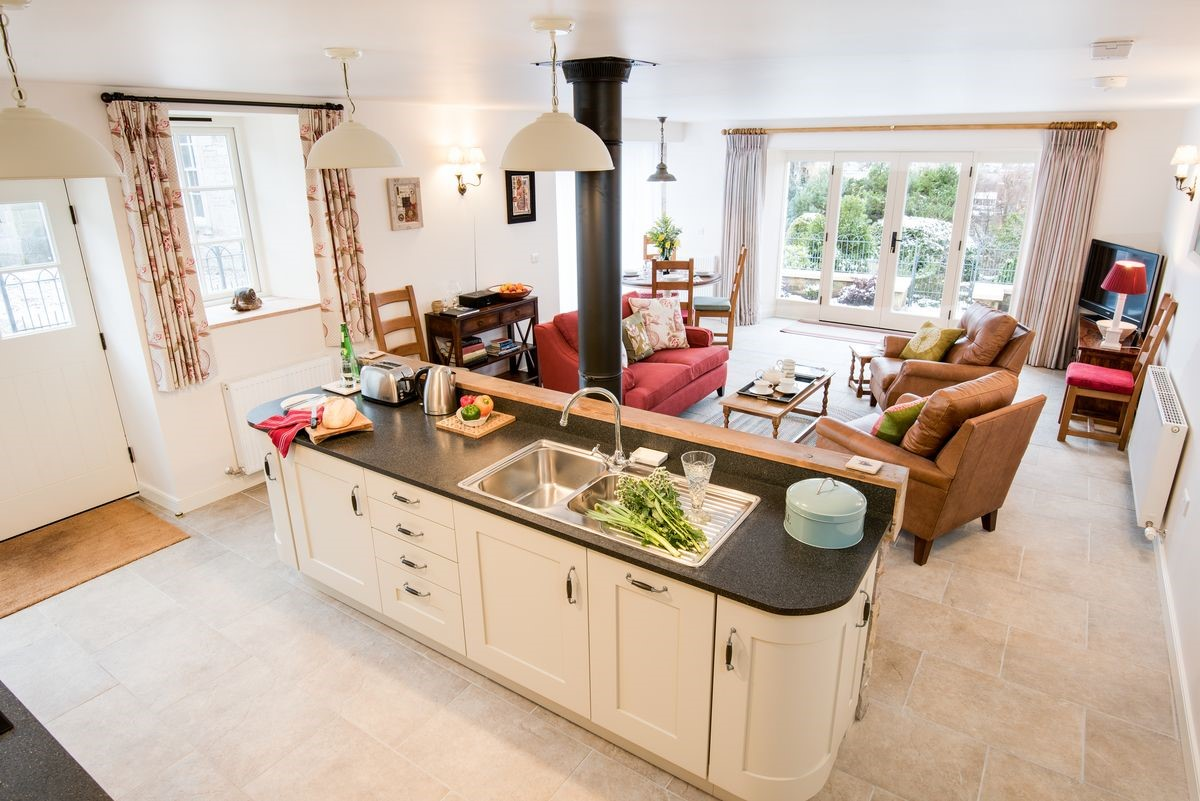 Boundary Bank - kitchen with sitting room