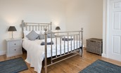 Chaffinch Cottage - bedroom one