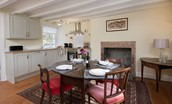Coachman's Cottage - kitchen with dining area