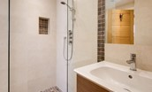 Coledale Stables - bedroom four en suite bathroom