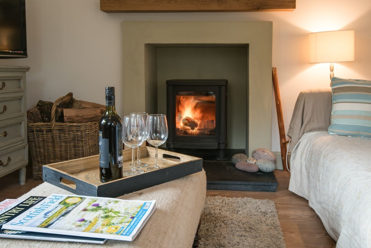 Crailing Cottage - fireside