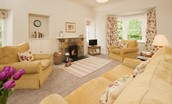 Daffodil Cottage - sitting room