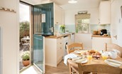 Daffodil Cottage - kitchen with garden access