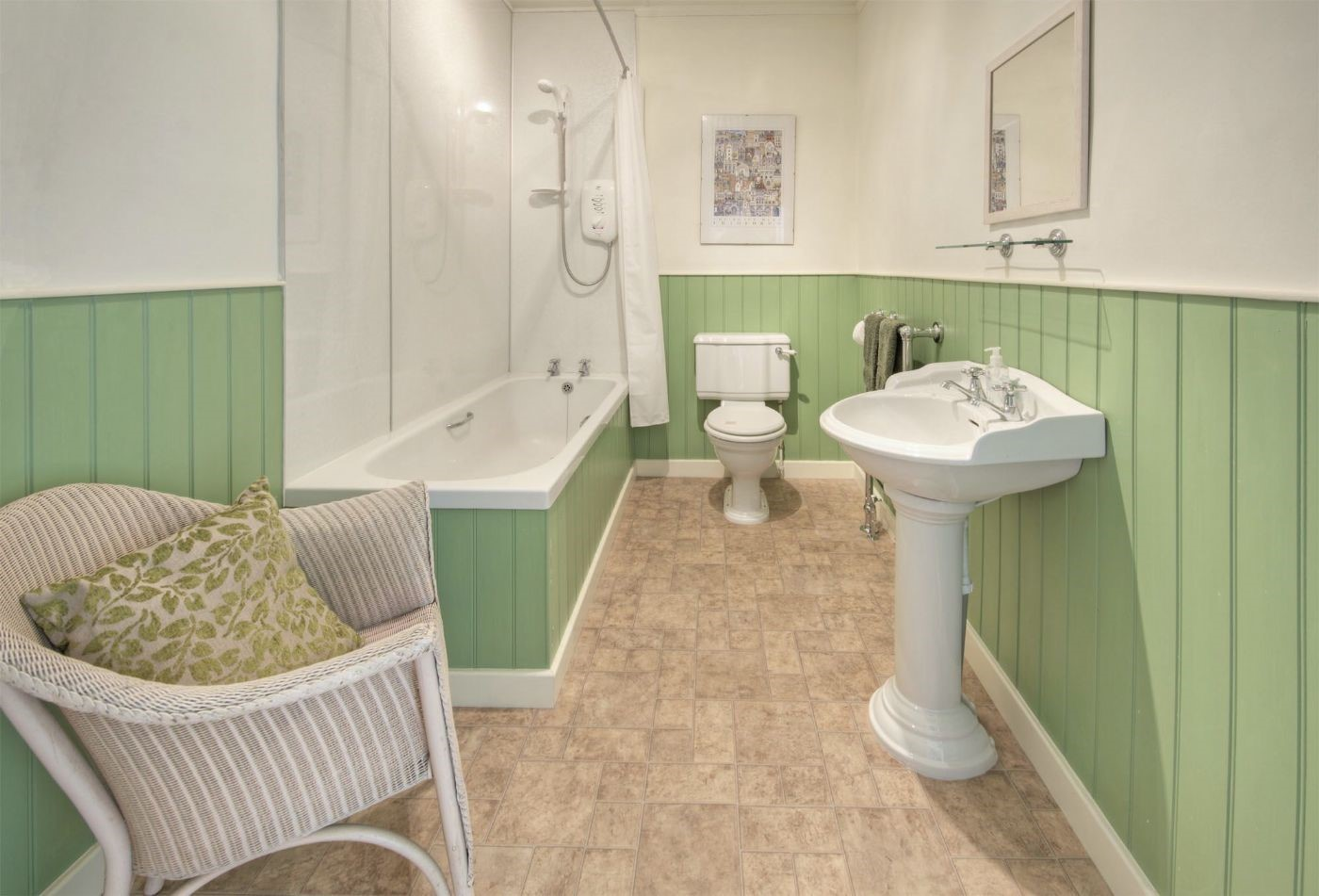 Earsdon House - family bathroom