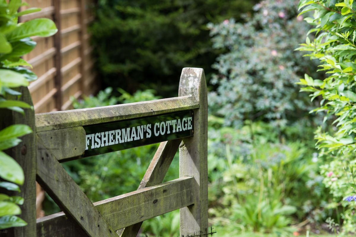 Fisherman's Cottage - access gate