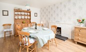 Fisherman's Cottage - dining room