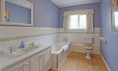 Grey Barns - bathroom