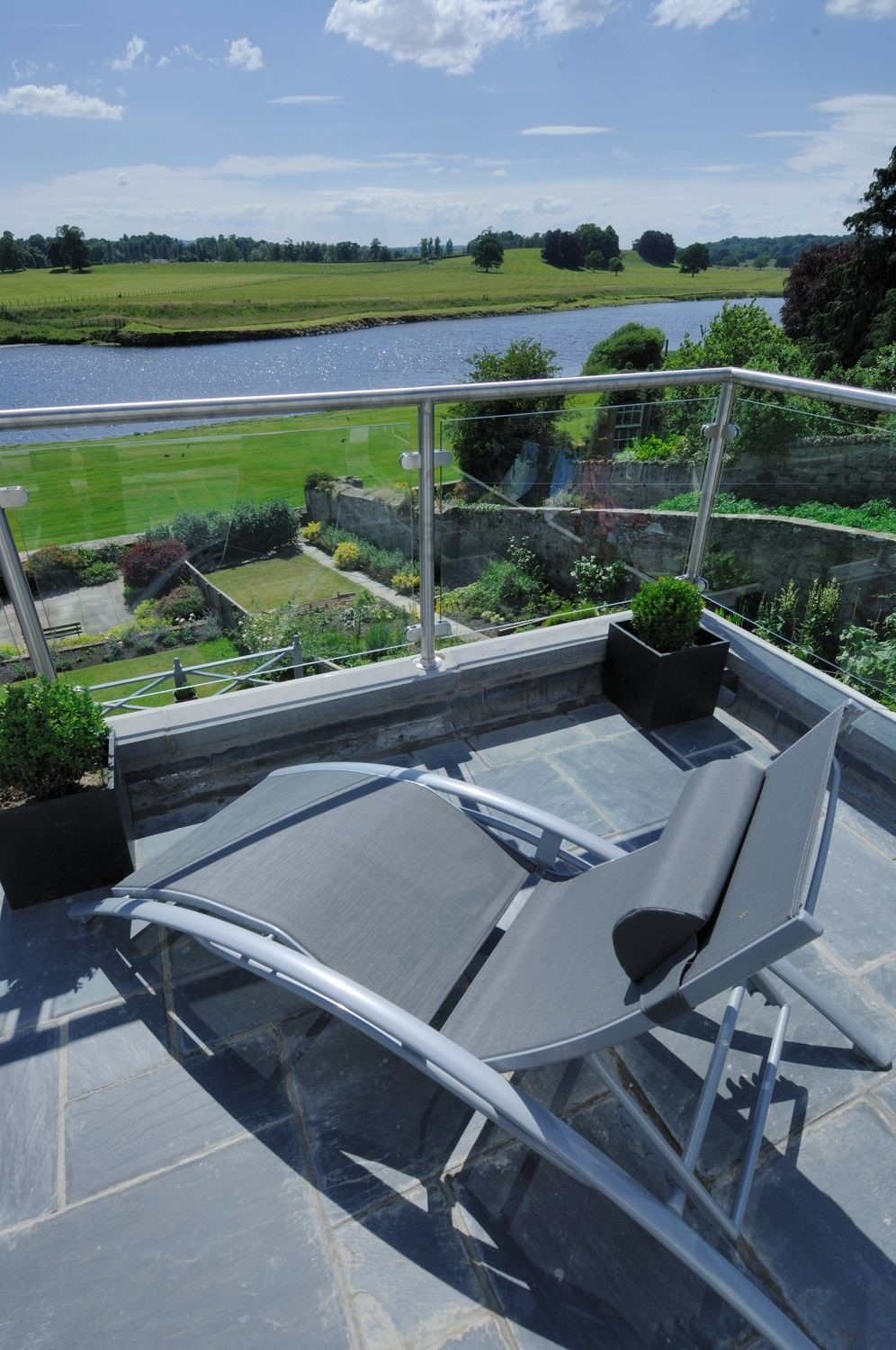 Junction House - roof terrace with river views
