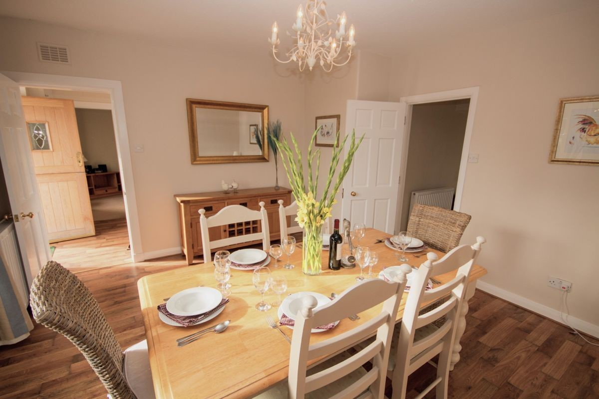 Kersmains Farm Cottage - dining area