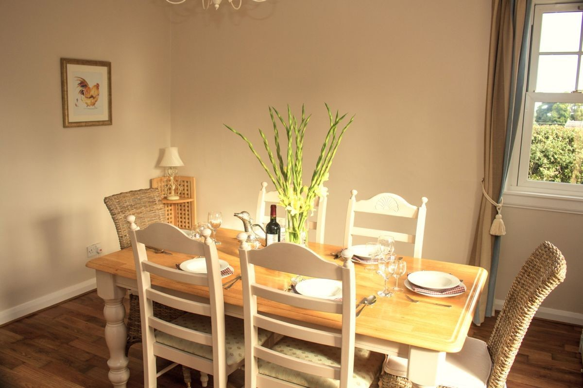 Kersmains Farm Cottage - dining space