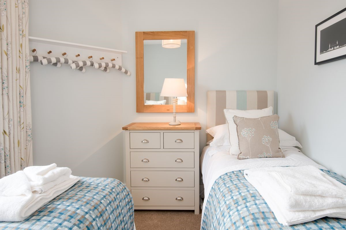 Kingfisher Cottage - bedroom two