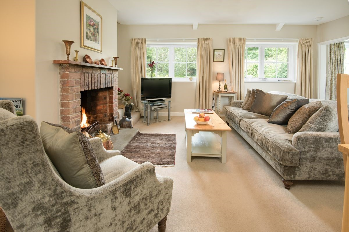 Milfield Hill Cottage - sitting room