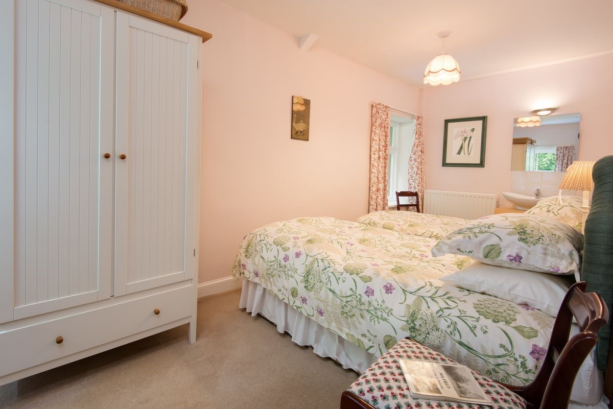 Milfield Hill Cottage - bedroom two with twin beds