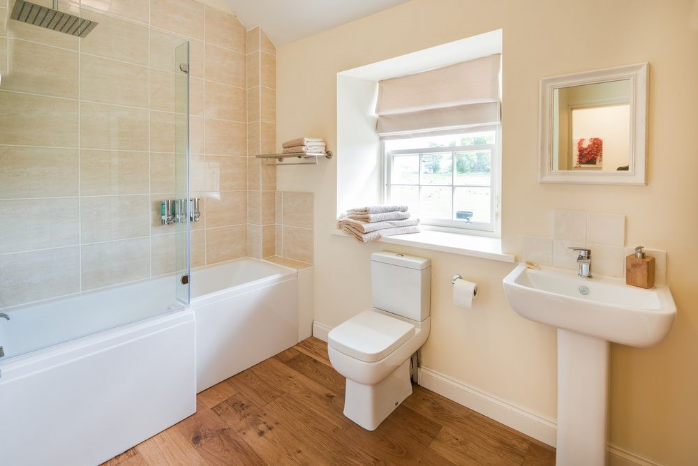 Old Nenthorn Cottage - bathroom