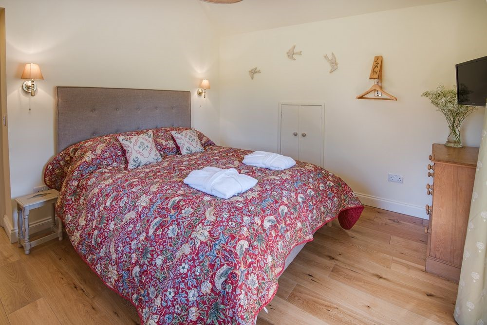 Old Nenthorn Cottage - double bedroom