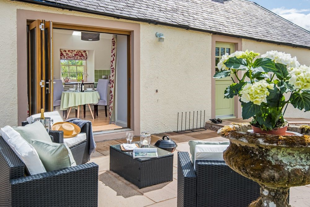 Old Nenthorn Cottage - outside seating area & living area access