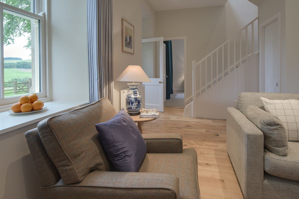Pathhead Farmhouse - sitting room with staircase