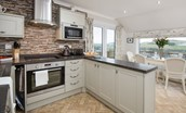 Pennine Way Cottage - kitchen & dining area