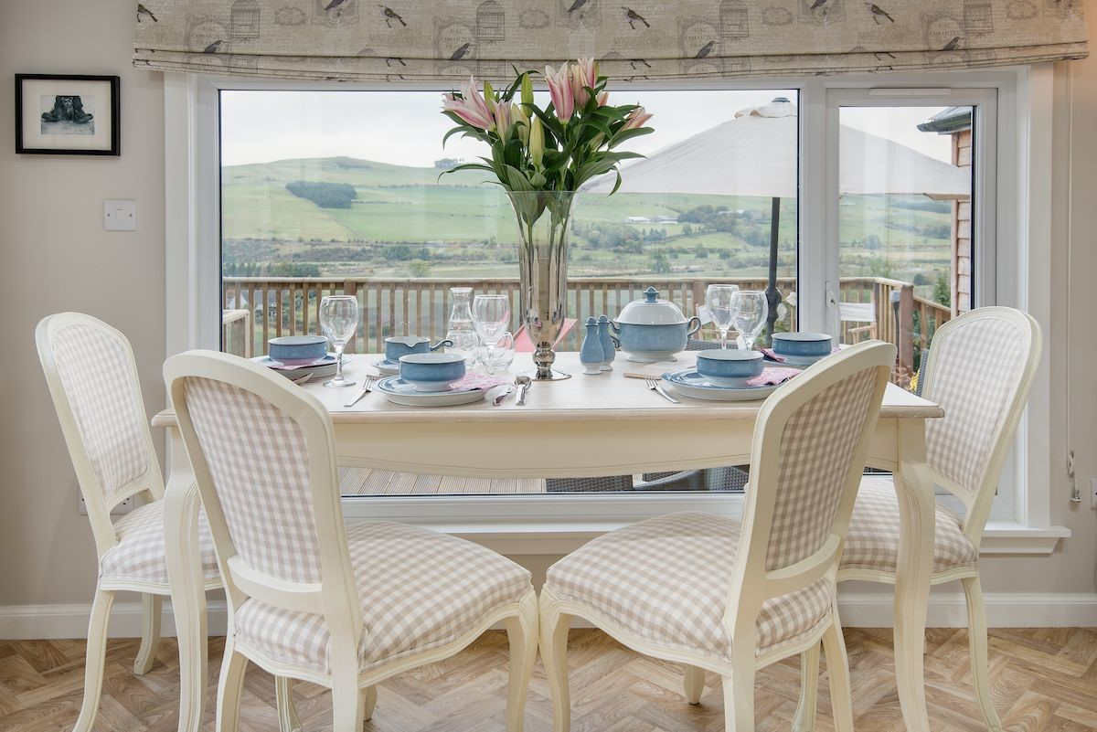 Pennine Way Cottage - dining table & view