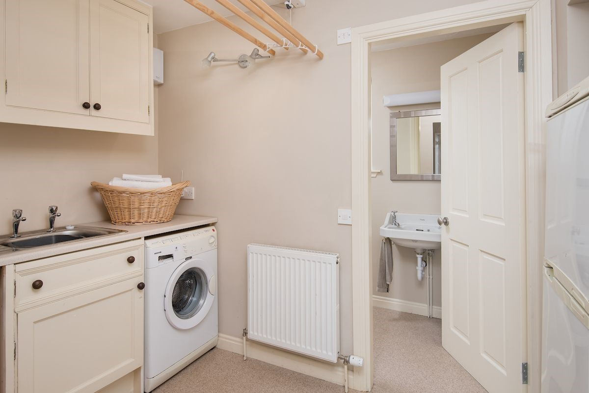 Teddy's Cottage - utility room & cloakroom