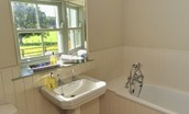 The Bothy at Reedsford - family bathroom