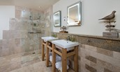 The Mill - Beech bedroom en suite bathroom