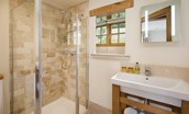 The Mill - Oak bedroom en suite bathroom
