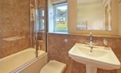 Three Acre Cottage - family bathroom