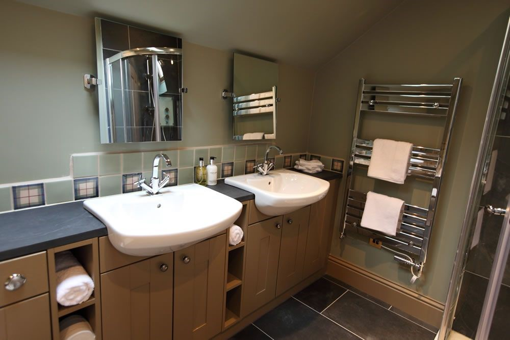 Time - bathroom with double basins