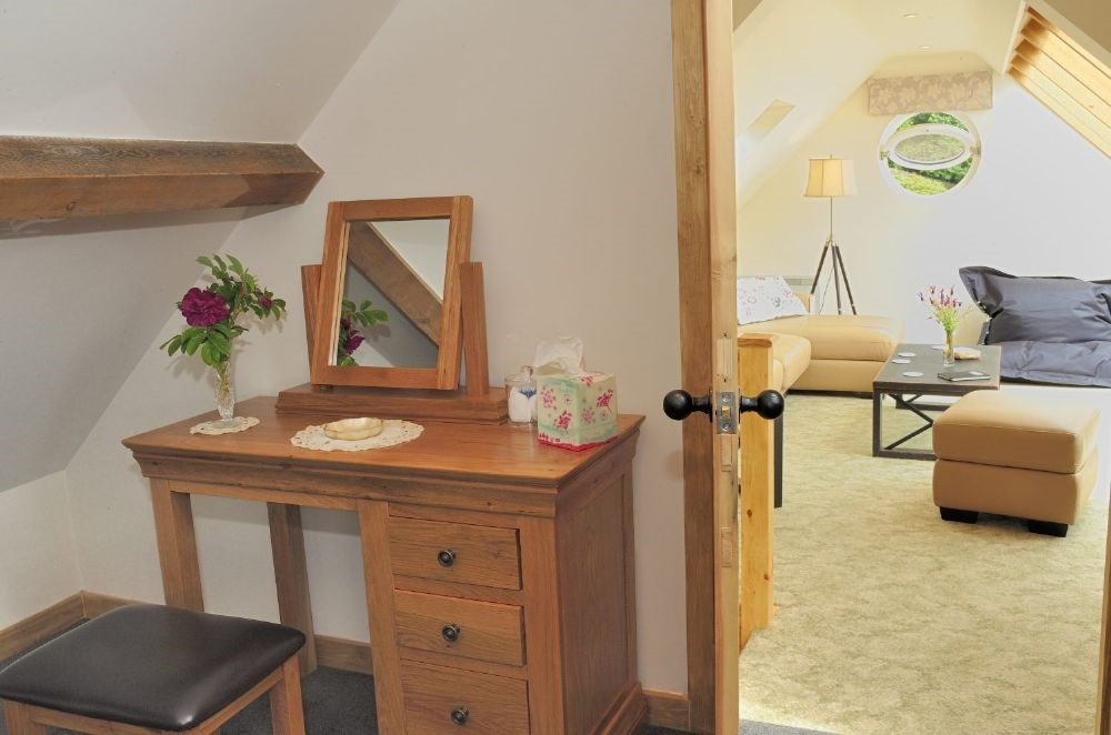Whitesand Shiel - bedroom dresser with access to sitting room