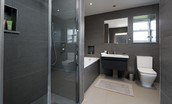 The Studio - en suite bathroom