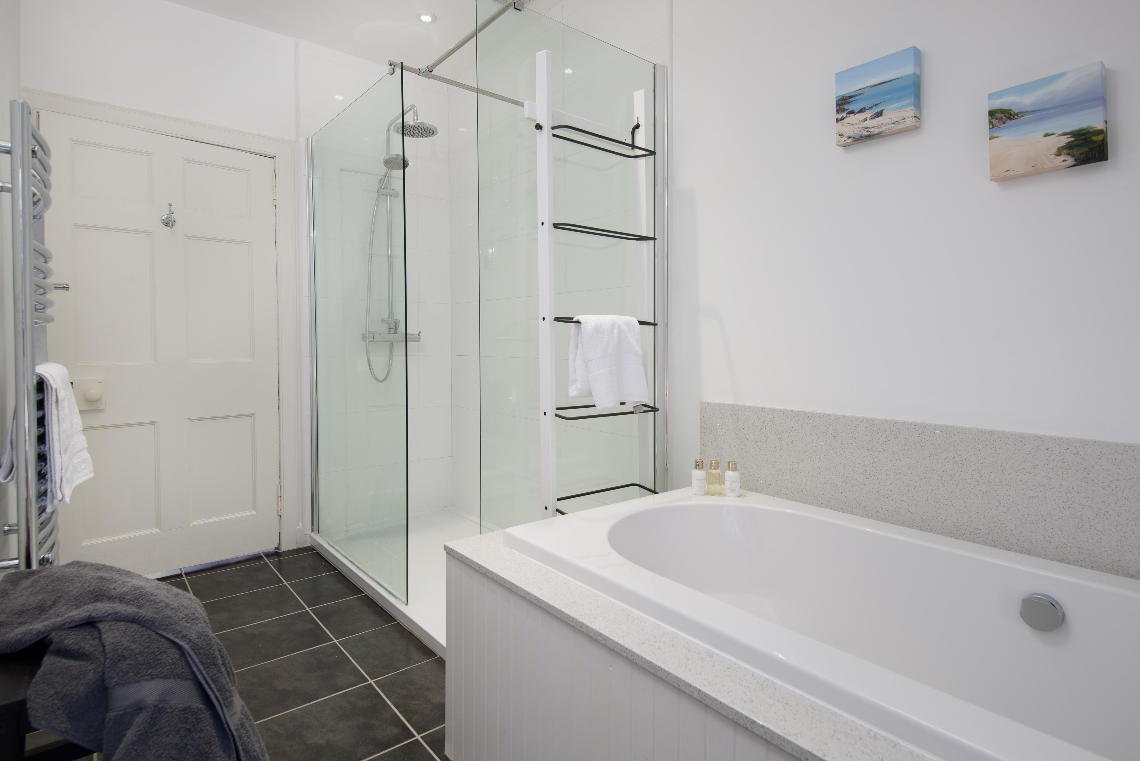 Kirkton House - family bathroom