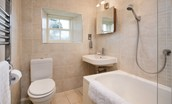 Garden Cottage - bathroom