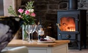 Curlew Cottage - fireside