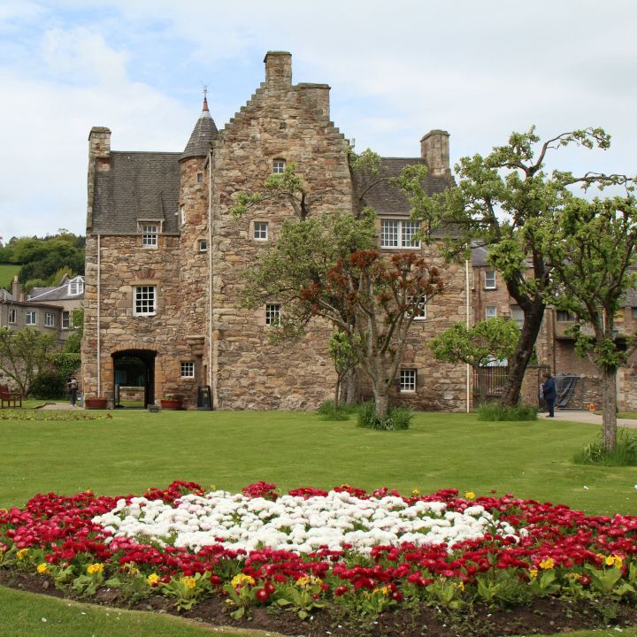 Mary Queen of Scots house & garden
