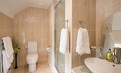 Dryburgh Stirling One - bedroom one en suite bathroom