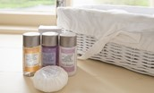 Dryburgh Stirling One - toiletries