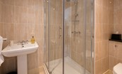 Dryburgh Stirling One - bedroom two en suite bathroom