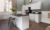 The Maitland Apartment - kitchen