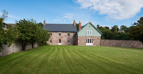 Dryburgh Farmhouse Two