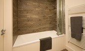 Mallow Lodge - family bathroom