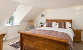 Polwarth Rhodes Cottage - bedroom two king size bed