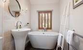 Miller's Cottage - bathroom with large bath tub